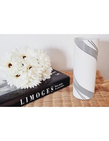 Vase tube, Collection Quantique Noire