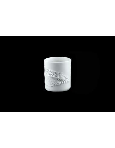 White feather pot